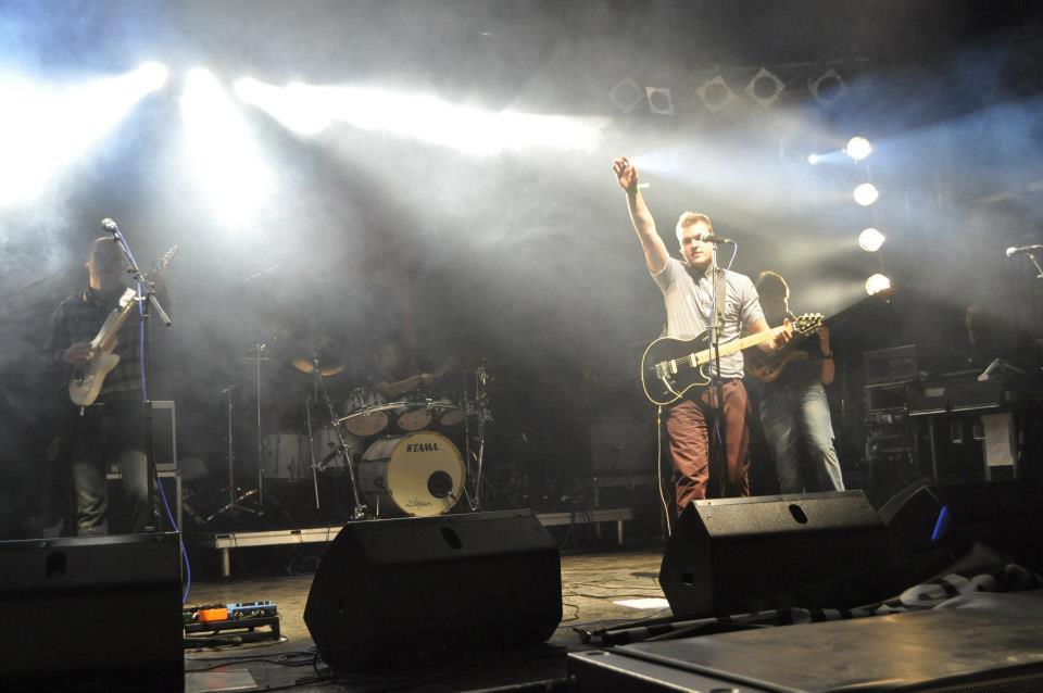 The Hot Shots party band rockin Bugjam 2012